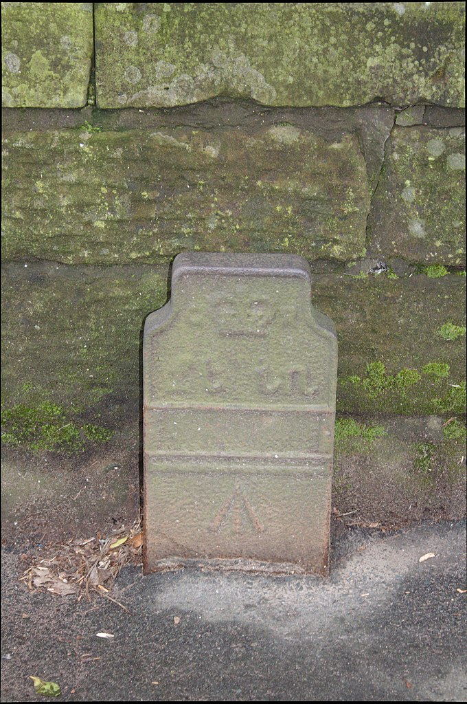 Telegraph cable marker post at Hillfoot Road, Liverpool by Phil Nash